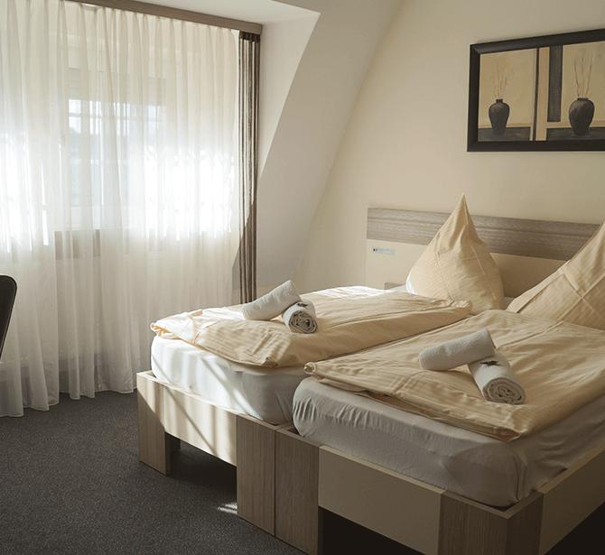 Hotel Amalfi Pulheim: Schöne Doppelzimmer mit Dusche, Wlan